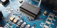 1200px-Arduino_ftdi_chip-1